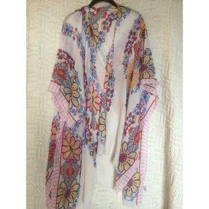 Woven Heart Floral Print Kimono